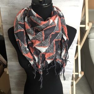 Made well square fringe geometric scarf